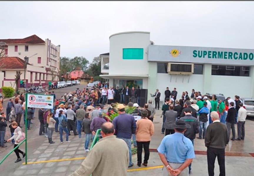 O Supermercado de Iraí foi reinaugurado com novas melhorias e layout modernizado.